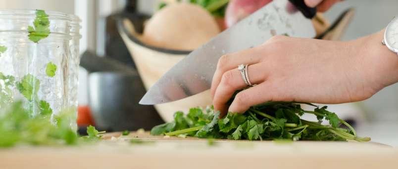 parsley being cut